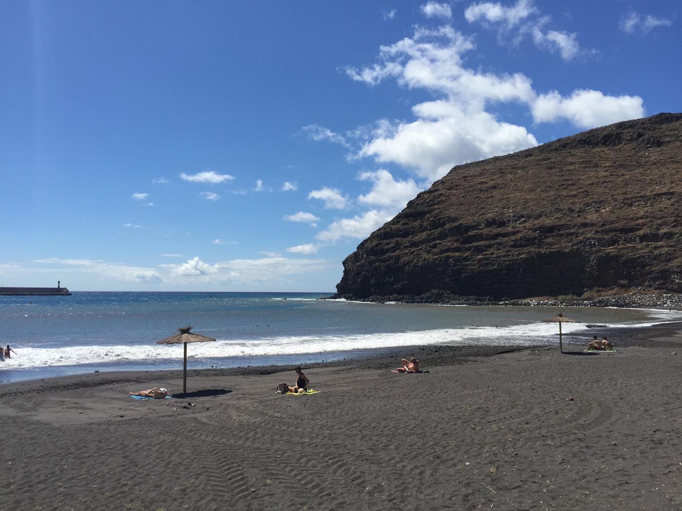 La playa de San Sebastián de La Gomera recibe su primera visita para la bande...